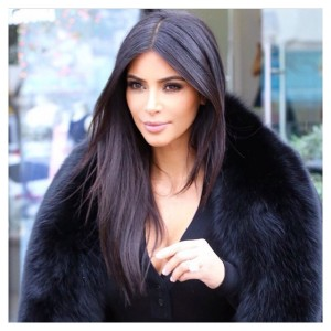 Kim Kardarshian in straigth hair look